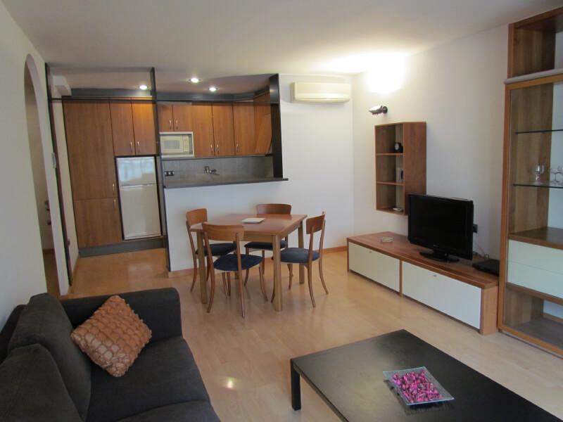 apartaments-la-farola-13001